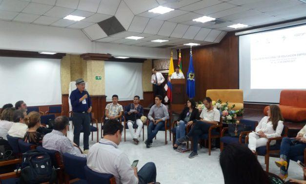 """UNIVERSIDAD DE ANTOFAGASTA ESTUVO PRESENTE EN """"WORKSHOP"""" DE EMPRENDIMIENTO EN COLOMBIA"""