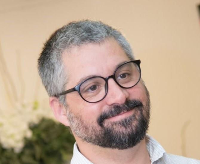 CREAR CONFIANZA ENTRE LAS ENERGÍAS RENOVABLES NO CONVENCIONALES Y LA INDUSTRIA, Entrevista con Oscar Herrera gerente general de C-More