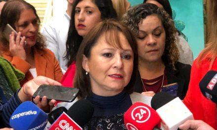 """MARCELA HERNANDO Y LEY QUE ESTABILIZA LA TARIFA ELÉCTRICA: """"NO SUBIRÁ LA LUZ DE AQUÍ AL 2026"""""""