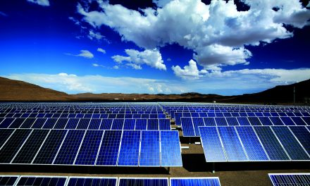 ABB en Chile y Suncast firman acuerdo para integración de Inteligencia Artificial a proyectos de energías renovables