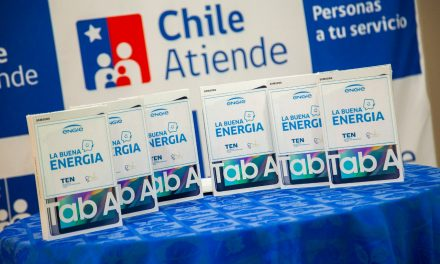 Engie dona seis tablets al personal del IPS Chile Atiende