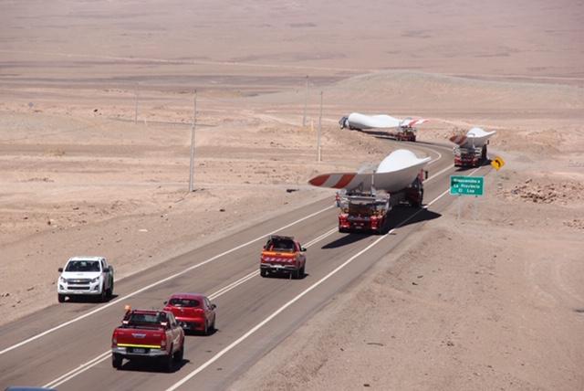 Parque Eólico Calama recibió aspas que permitirán montaje del primer aerogenerador