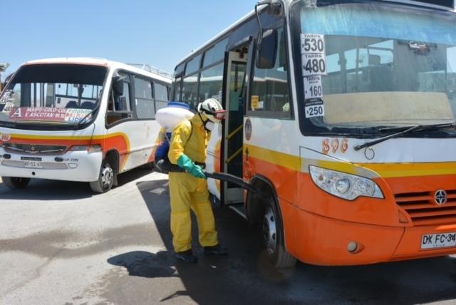 Codelco entregó equipos de sanitización autónomos a microbuseros de Calama