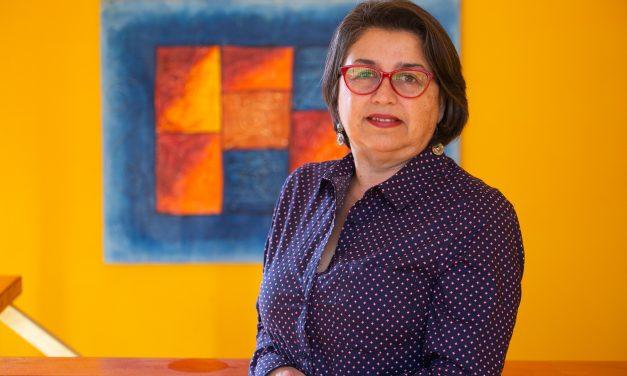 """Entrevista a Olga Hernández, directora Explora Región de Antofagasta: """"Buscamos desarrollar habilidades científicas en todas las personas""""."""