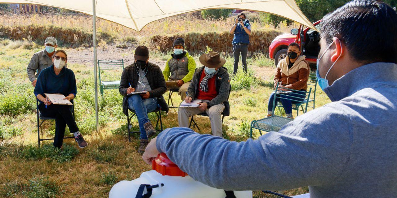 Productores aprenden a utilizar herramientas para el control de la Mostaza Negra