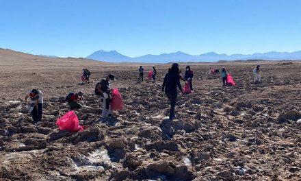 Municipio y voluntarios realizaron exitoso operativo de limpieza en Salar de Rudolph