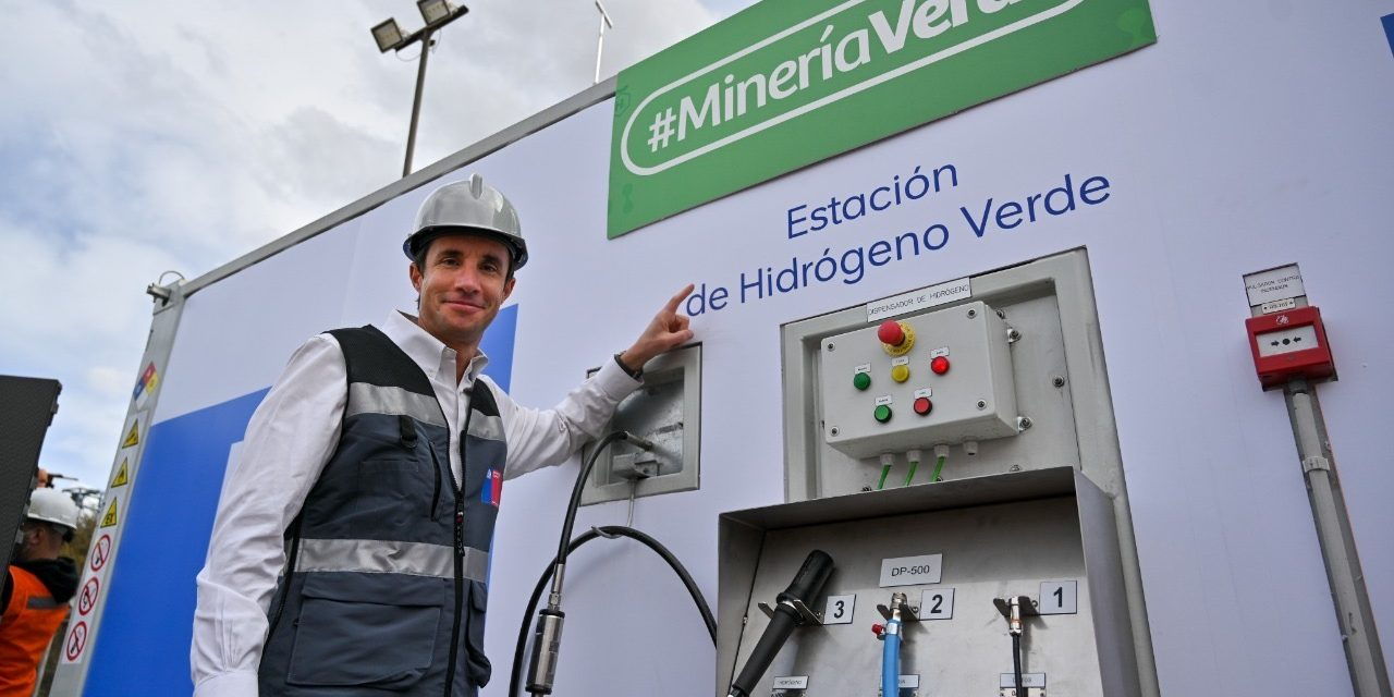 """Ministro de energía y minería, Juan Carlos Jobet, anuncia: """"EL 25% DE LOS PROYECTOS HIDRÓGENO VERDE COMENZARÍAN SUS OPERACIONES Y ESTARÍAN PRODUCIÉNDOLO ANTES DEL 2030"""""""